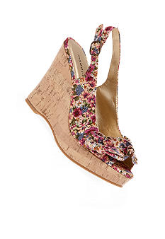 Madden Girl Klenn Wedge
